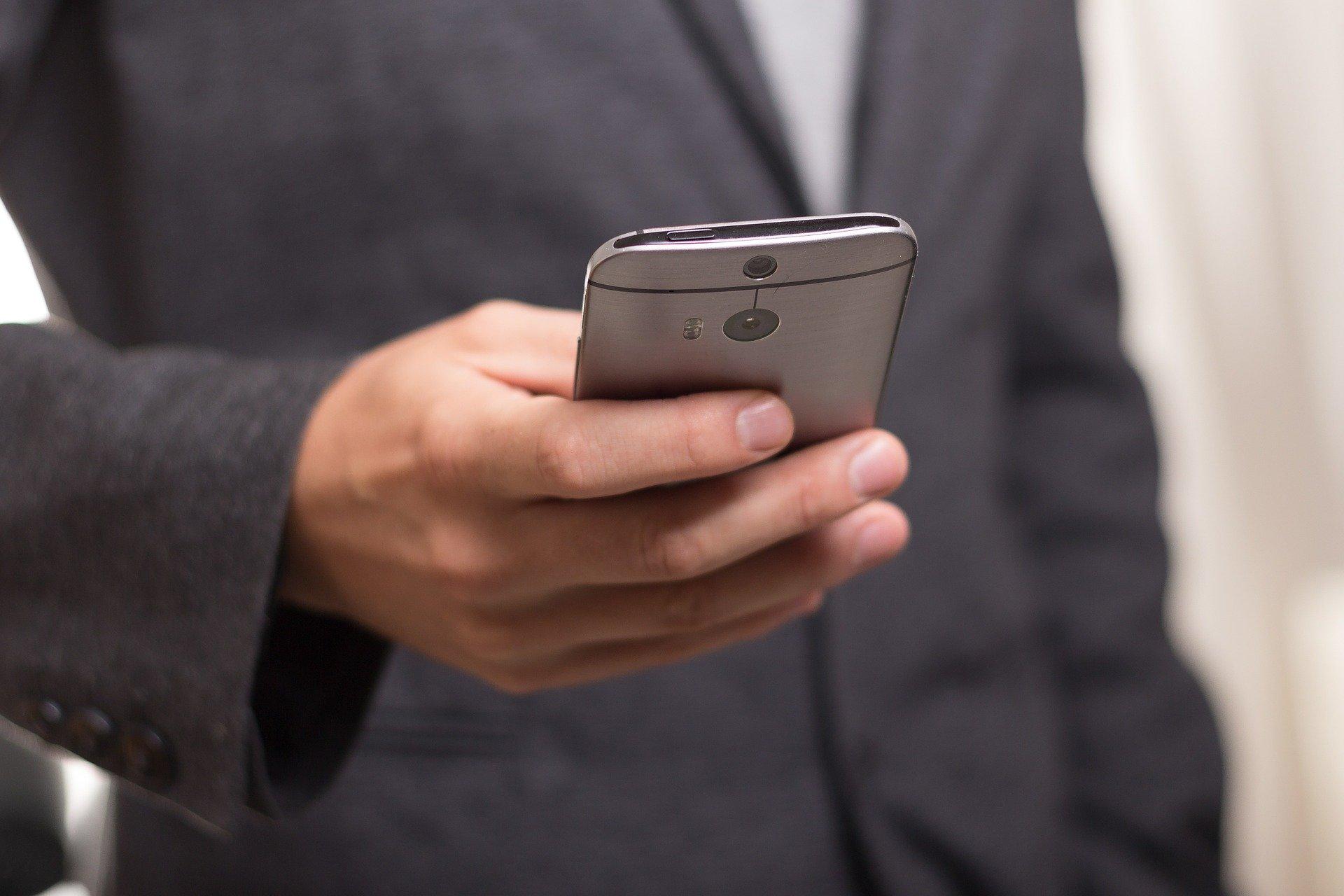 Отворене телефонске линије у циљу очувања менталног здравља у условима епидемије