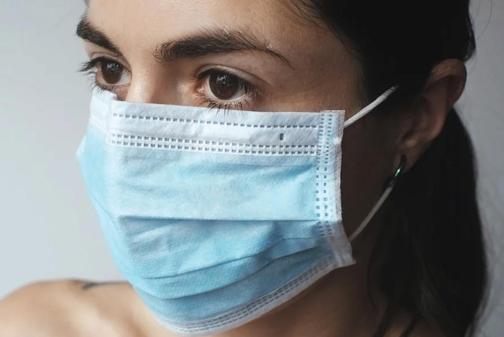 Вучић: Ускоро производња хируршких маски у Србији
