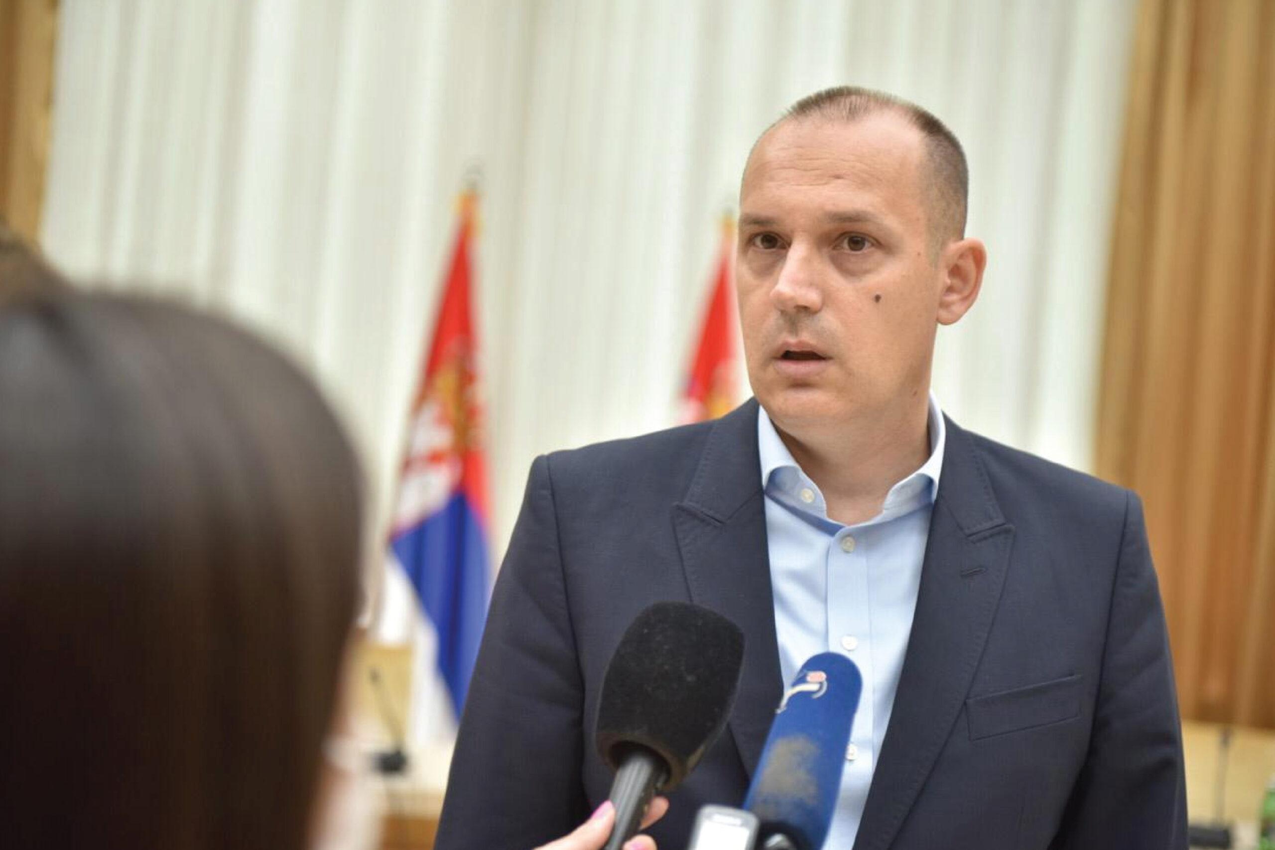 Лончар: Примићу прву следећу вакцину која стигне у Србију
